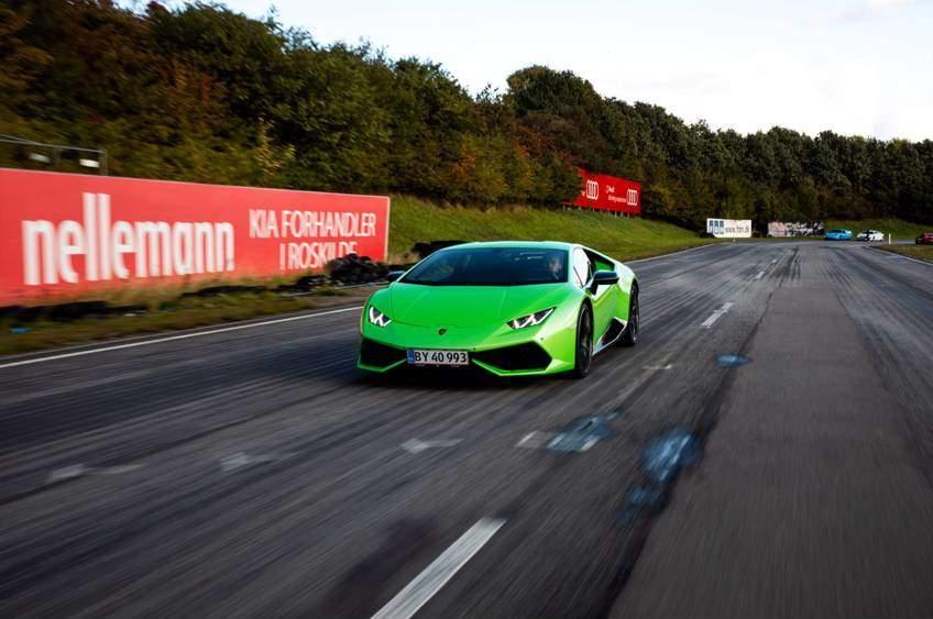 Kør Lamborghini på bane