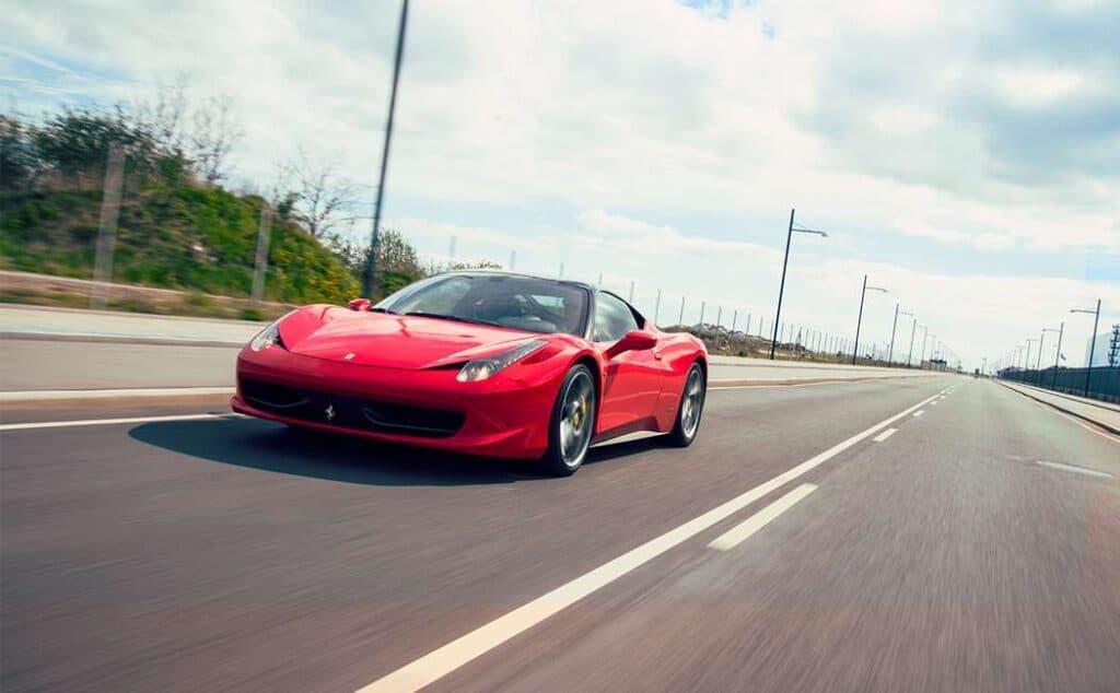Kør Ferrari På Landevej