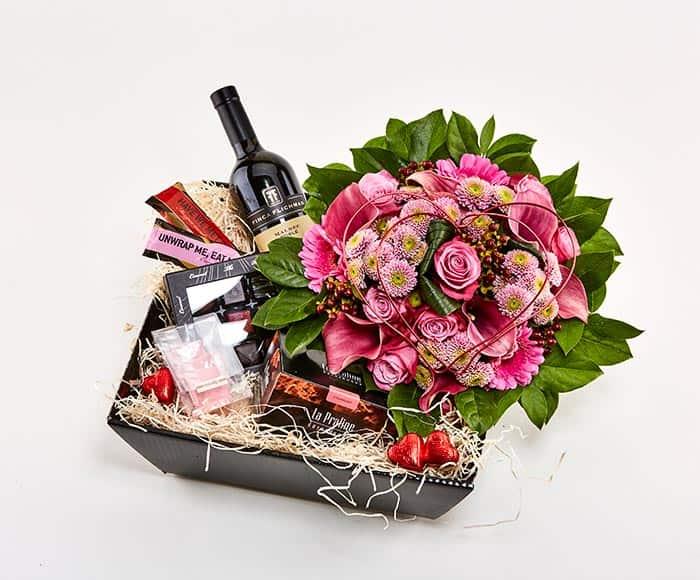 Gavekurv Med Blomstrende Kærlighed