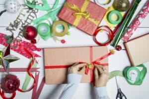 Read more about the article Så mange penge bruger danskerne på julegaver hvert år