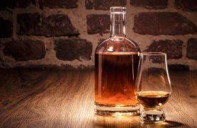 Din egen whiskyflaske hos Trolden Destilleri