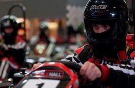 Kør gokart F1-style hos Racehall Aarhus