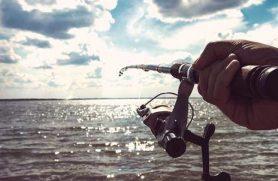 Lystfiskersejlads med træskib hos Aventura
