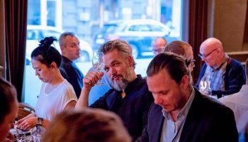 Sådan Forløber En Ginsmagning i København