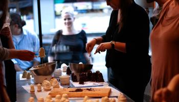 Tag Dine Venner Med Til Flødebollekursus i København
