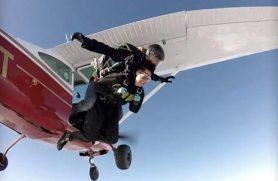 Faldskærmsudspring hos Skydive2000