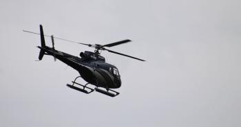hvor hurtigt flyver en helikopter